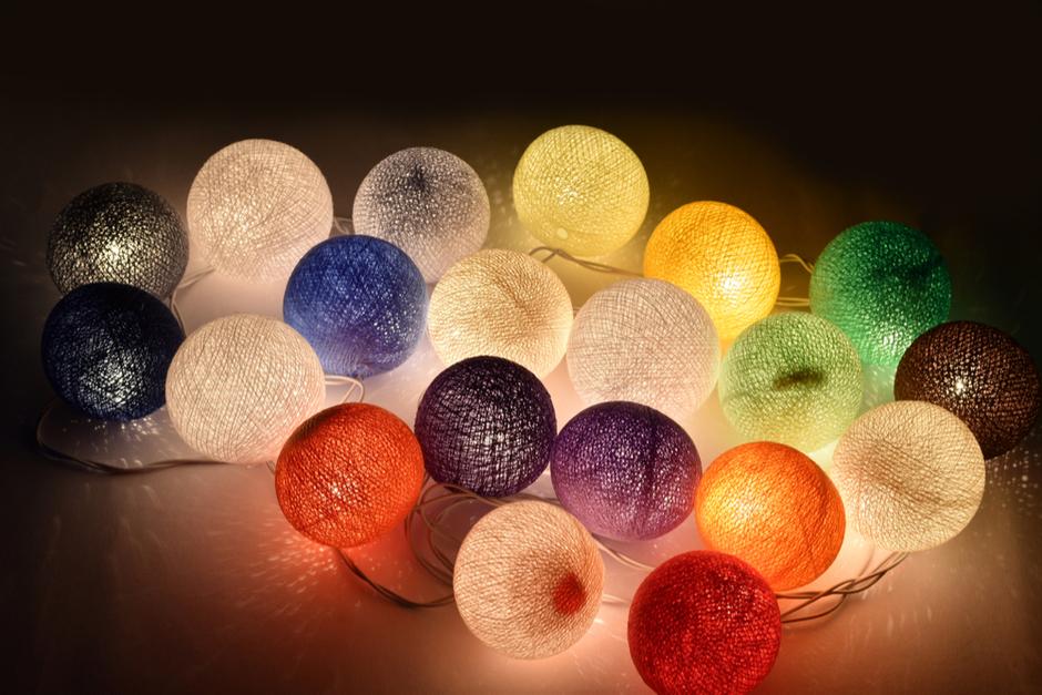 ניתן להכין גם שרשרת מנורות קטנות בצבעים שונים